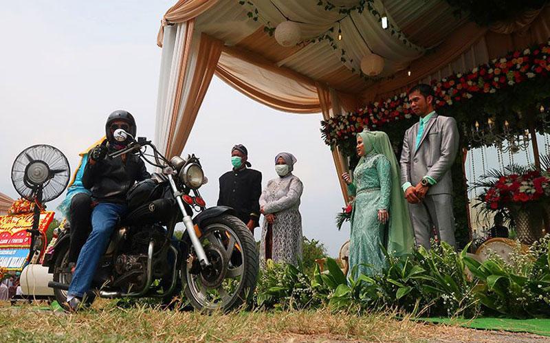Pernikahan Drive Thru Solusi di Tengah Pandemi