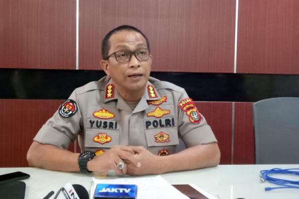 Polisi Duga Mobil Ambulans Bawa Batu dan Logistik ke Pendemo UU Ciptaker
