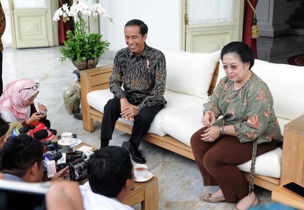 Bela Jokowi, Megawati Sindir Amien Rais: Yang Omong Kepengen Sebetulnya!