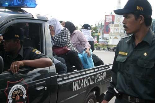 Polisi Syariah Bongkar Kafe Remang-remang di Meulaboh Aceh