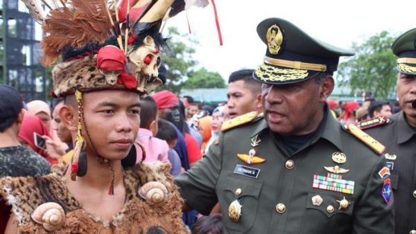 Jenazah Wakasad Letjen Herman Asaribab Dimakamkan di TMP Kusuma Trikora