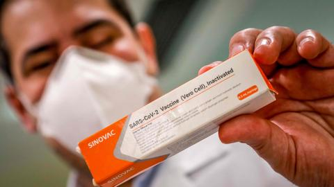 BPOM Terbitkan Izin Penggunaan Darurat Vaksin Sinovac, Efisiensi Mencapai 65,3 Persen