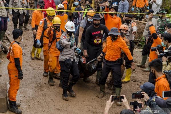 Korban Tewas Longsor Sumedang Bertambah Jadi 25 Orang, 15 Masih Hilang