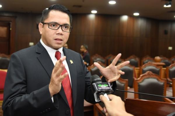 Arteria Sebut Jokowi Smart Tunjuk Listyo Sigit Jadi Calon Kapolri