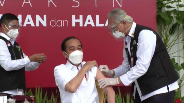 Jadi Vaksinator Jokowi, Dokter Abdul Muthalib: Tangan Saya Gemetar