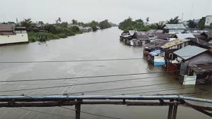 Tangani Banjir Kalsel, BNPB Serahkan Dana Rp3,5 Miliar