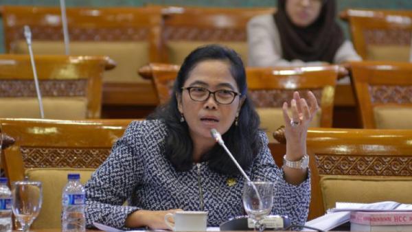 DPR Minta Pemerintah Jangan Anak Tirikan Guru Honorer Sekolah Swasta