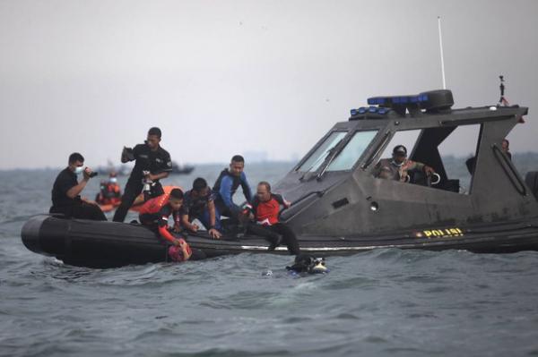Pemerintah Hentikan Operasi Pencarian Korban Pesawat Sriwijaya Air