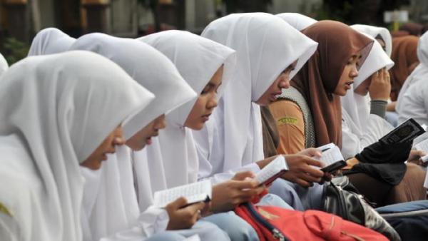 Wagub Sumbar Sebut SKB 3 Menteri Tak Larang Siswa Pakai Jilbab