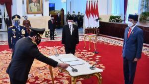 Detik-detik Pengambilan Sumpah Kapolri Listyo Sigit Prabowo