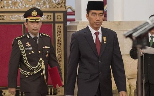 Jokowi Lantik Listyo Sigit Jadi Kapolri Usai Terima Vaksin Kedua