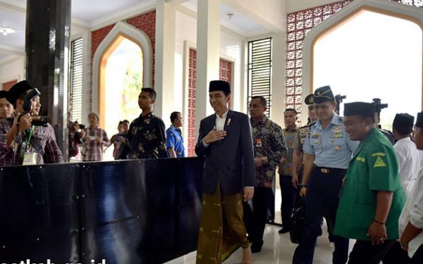 Survei: Tingkat Kepuasan Kinerja Presiden Jokowi Cukup Baik, Infrastruktur di Urutan Pertama