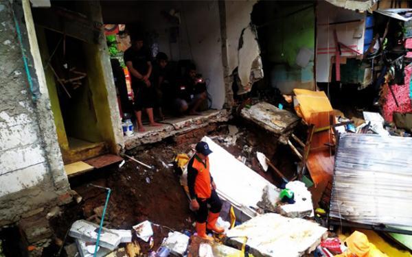 Ada 11 Lokasi Tanah Longsor Akibat Banjir di Jakarta Timur