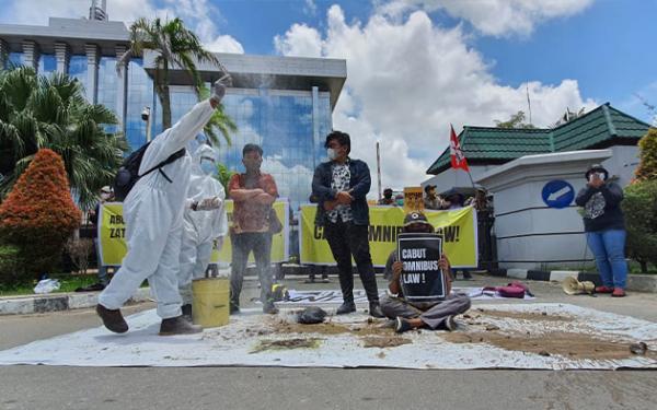 Koalisi Aktivis Lingkungan Kaltim Minta Jokowi Cabut Kebijakan Soal Limbah Batubara