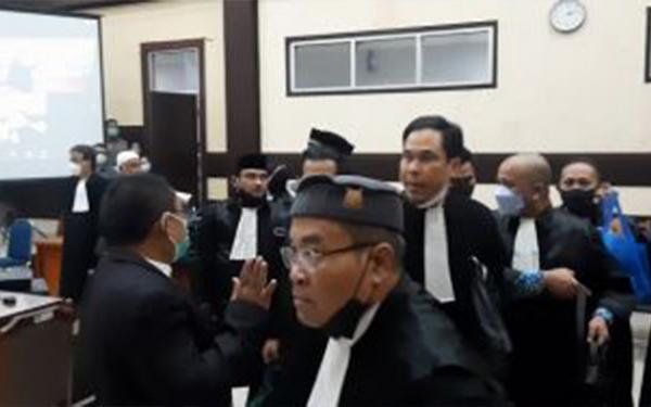 KY Minta Rizieq Shihab dan Kuasa Hukum Hormati Majelis Hakim