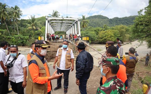 Pemerintah Salurkan 15 Ton Bantuan untuk Korban Bencana di NTT